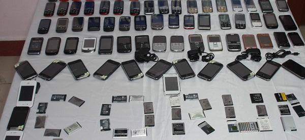 POLÝSTEN KAÇAK CEP TELEFONU OPERASYONU OPERASYONDA 50 ADET CEP TELEFONU ELE GEÇÝRÝLDÝ